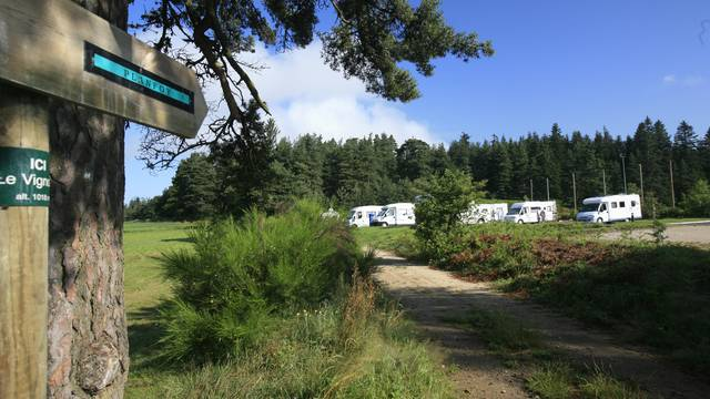 Aire stationnement Camping car Pilat